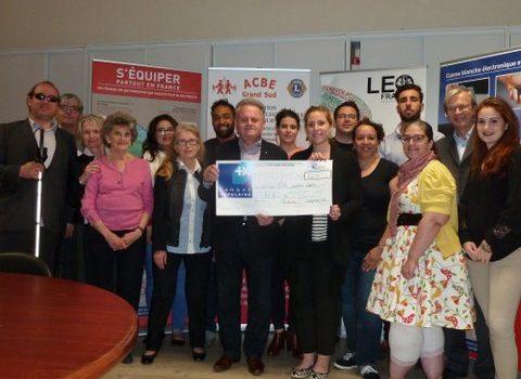 Remise d'un chèque de 1400€ par LEO Club Toulouse Hermes Capitole